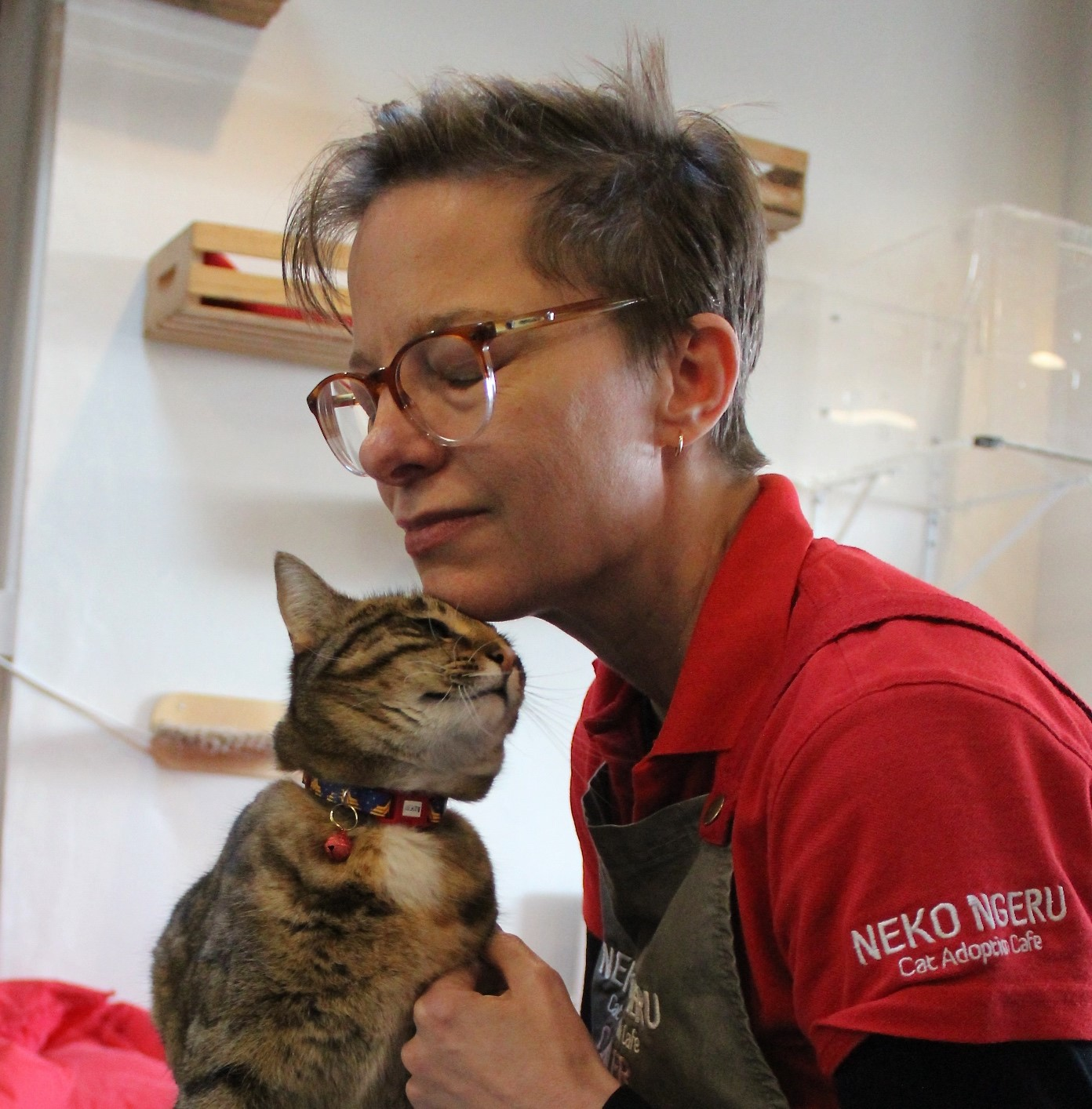 Richelle with cat